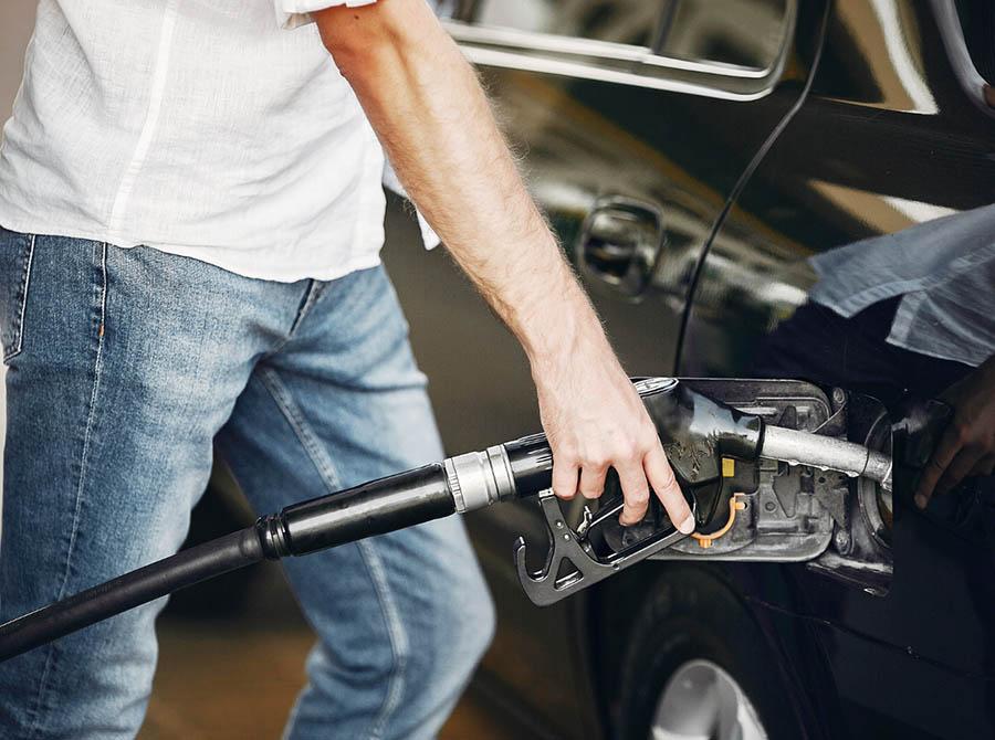 Jak należy rozliczać karty paliwowe?